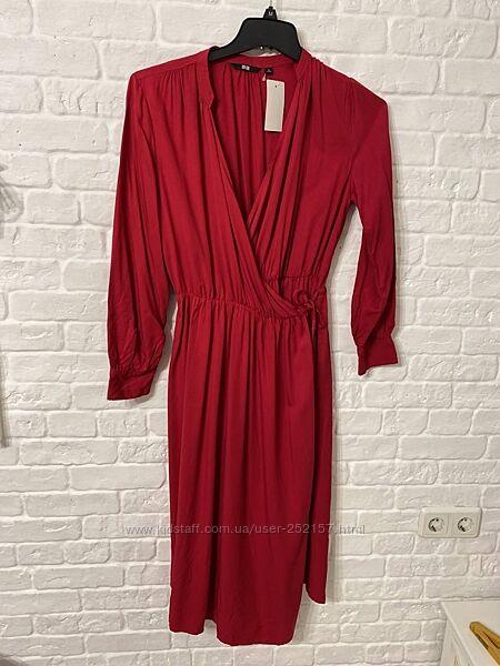Uniqlo красное платье японского бренда Юникло