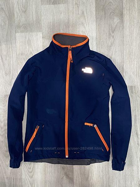 Оригинальная курточка, ветровка The north Face размер 10-12 лет