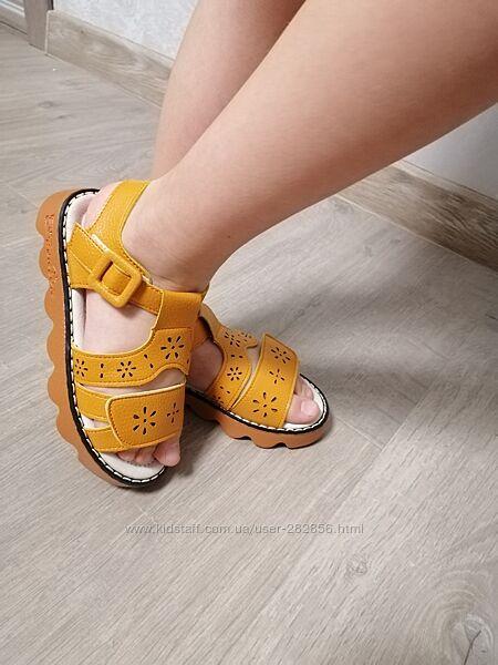 Босоножки для девочки, сандали clibee